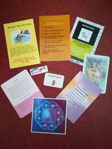 Angel cards, pandora cards, 100 deugden kaarten,(Tools of the Arcturians kaarten, De kracht van het nu kaarten, Eckhart Tolle, het elfenorakel vormen samen een nieuw spel